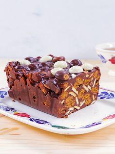 Bij deze maand van tradities past een klassieke arretjescake. Het grote voordeel van deze heerlijke cake... Lees meer Cake Cookies, Cupcake Cakes, Cupcakes, Sweet Recipes, Cake Recipes, Good Food, Yummy Food, Breakfast Dessert, High Tea