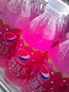 Pepsi is good. So pink Pepsi must be awesome Pink Love, Pretty In Pink, Hot Pink, Aesthetic Food, Pink Aesthetic, Tout Rose, Pink Foods, Weird Food, Everything Pink