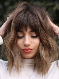 Latest Medium Textured Haircuts with Bangs for Women 2021 Haircuts For Medium Hair, Bangs With Medium Hair, Medium Hair Cuts, Hairstyles With Bangs, Fat Face Haircuts, Medium Textured Hair, Medium Hairstyles, Medium Hair Styles For Women, Short Hair Cuts For Women