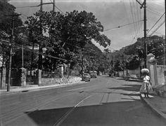 BRASIL RIO DE JANEIRO ANOS 50 - Pesquisa Google Nossa foto de hoje mostra a aprazível localidade de Águas Férreas no bairro do Cosme Velho nos anos 50, ainda longe de ser a via de acesso de Flamengo
