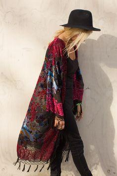 Black Lulu Kimono