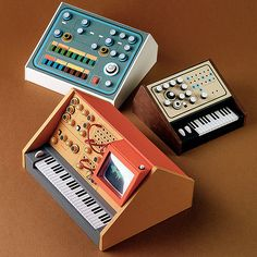 I've always been fascinated by old analog synth, i think they're visually exciting for their colors, all the knobs and sliders. I obviously fallen in love with these perfect analog miniatures, created by the Australian artist and designer Dan McPharlin. Dan McPharlin always wanted to design a synth but lacked the skills and resources, so he thought to make miniature copies. His models are very rich in details and fully made by hand with paper and cardboard. Dan spend around 3 days on each m...
