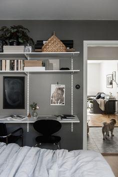 Modern Office Decor, Home Office Setup, Inspiration Wall, Interior Design Inspiration, Iron Furniture, Home Furniture, Ikea Algot, Room Ideas Bedroom, Diy Décoration