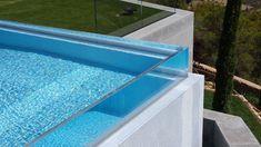Paredes de piscina realizadas por Aquaspai. Pool Fountain, Roof Deck, Water Systems, Pool Designs, Photos Web, Underwater, Swimming Pools, Windows, Bella