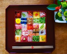 ひな祭りに、フォトジェニック寿司のニューウェーブ「モザイク寿司」で春色食卓♪ | おうちごはん