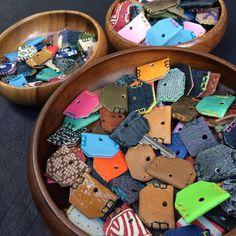山/ZAN  キーキャップ  #牛革 #馬革 #豚革 #鹿革 #魚革 #羊革 #印伝 #京友禅 #柄物 #革小物 #色々 #ハンドメイド #キーキャップ #大 中 小 #レザークラフト #leather #leathercraft #leatherwork #handmaid #keycap #soulmaid #zan #山 #twobroth