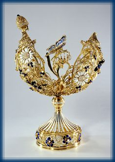 "Creative company ""SIRIN"" novelties of the jewelery world. Fabrege Eggs, Tsar Nicolas, Faberge Jewelry, Royal Jewelry, Diamond Jewelry, Creative Company, Egg Art, Oeuvre D'art, Trinket Boxes"