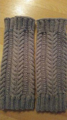 Säärystimet kun koristeet leikattu pois Knitted Hats, Knitting, Fashion, Knit Hats, Moda, Tricot, Fashion Styles, Knit Caps, Stricken