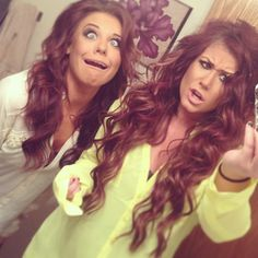 Loooovvvveeee her hair! The color is amazing!! Chelsea Houska