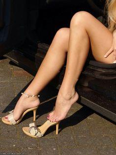 Mules. Tacchi Close-Up #Shoes #Tacones #Heels