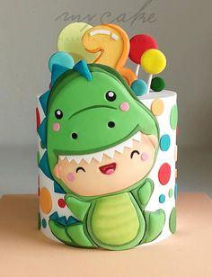 Baby First Birthday Cake, Dinosaur Birthday Cakes, Bolo Dino, Die Dinos Baby, Fondant Cake Designs, Dino Cake, Peach Cake, Kid Desserts, Fresh Strawberry Cake
