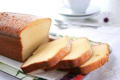 Bizcocho de leche condensada / Condensed milk sponge cake http://food-and-cook.blogs.elle.es/2009/05/12/bizcocho-de-leche-condensada/