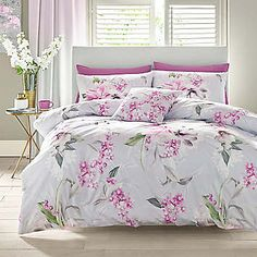Give your bedroom a serene and subtle makeover. The Soft Blossom Duvet Set from Lipsy is a magnificent piece, featuring an explosion of pink florals scattered across the cover. Made from cotton with a thread count of King Size Duvet Covers, Bed Duvet Covers, Duvet Bedding Sets, Linen Bedding, Floral Bedding, Comforters, Duvet Covers Urban Outfitters, Restoration Hardware Bedding, Toddler Girl Bedding Sets