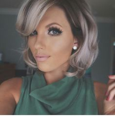 Love this #Pastel #bob  & those lashes