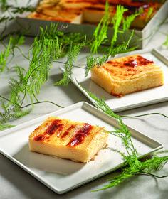 Με πρωταγωνιστές το φρέσκο γάλα και τα τυράκια της άνοιξης, τα πασχαλινά γλυκά της Ελλάδας ευωδιάζουν με όλα τα αρώματα της ελληνικής γης.