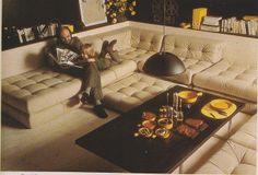 Mobili lounge -obsessed with this couch.