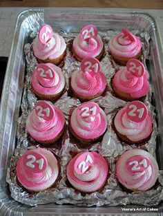 Veena's Art of Cakes: How to transport Cupcakes without buying expensive containers