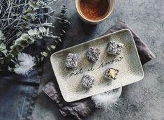 Kokosové vánoční cukroví: kostky lamington | n e j e z b l b e Sunglasses Case