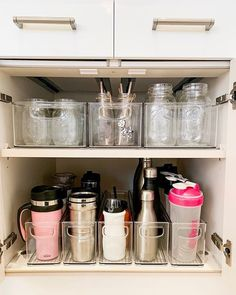 44 smart small apartment storage decorating ideas on a budget 6 – pantry organization ideas Kitchen Organization Pantry, Home Organisation, Organization Ideas For The Home, Bedroom Organization, Organization Station, Organizing Ideas For Kitchen, Home Storage Ideas, Pantry Storage, Shelving Ideas