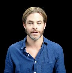 Chris Pine, blue shirt