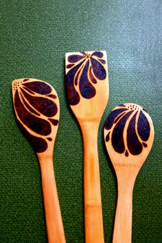 Lazy Daisy wood burned salad spoons by Sher-T-Art