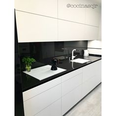 Kitchen Decor, Kitchen Design, Modern Fence Design, Kitchen Small, Glass Blocks, Sweet Home, House Design, Interiors, Black And White