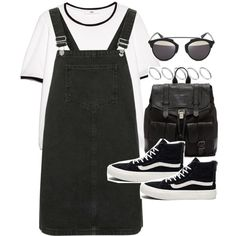 Outfit for summer with a pinafore