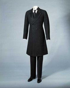 1916 Menswear -- I wish men would dress like this again!