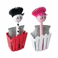 Cow and pig dish brushes! I actually WANT to wash up now.