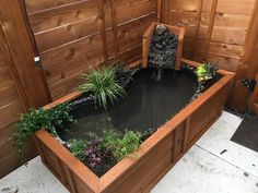 Easiest way to turn an old bathtub into a natural-looking pond for your backyard Coy Pond, Koi Fish Pond, Fish Ponds, Patio Pond, Pond Landscaping, Ponds Backyard, Above Ground Pond, Container Pond, Old Bathtub