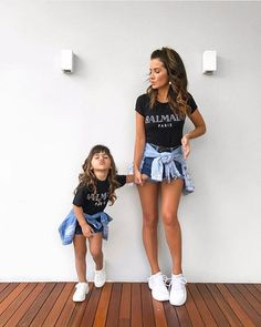 beautiful stars ⭐️ Mommy Daughter Pictures, Mom Daughter Matching Outfits, Mommy Daughter Dresses, Mother Daughter Fashion, Mommy And Me Outfits, Matching Family Outfits, Mother Daughters, Daddy Daughter, Mother Son