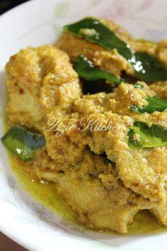 Azie Kitchen: Rendang Ayam Nogori Untuk Juadah Raya Malaysian Cuisine, Malaysian Food, Malaysian Recipes, Asian Cooking, Easy Cooking, Cooking Recipes, Diet Recipes, Recipies, Vegan Junk Food