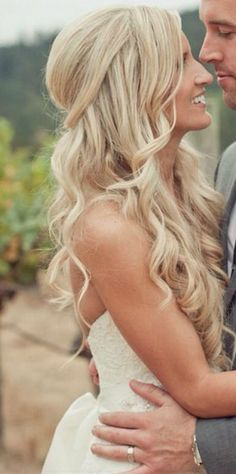 Wedding Hair Down featured photo: Carlie Statsky via Wedding Chicks - Half up half down wedding hairstyles flatter almost any bride because of the versatility of styles. Be inspired and learn how to achieve this look. Wedding Hair Down, Wedding Hair And Makeup, Wedding Beauty, Dream Wedding, Hair Makeup, Wedding Curls, Half Up Half Down Wedding Hair, Bride Hair Down, Loose Bridal Hair