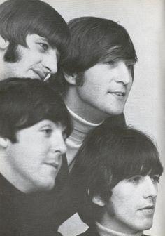 """I Beatles, fotografati a Chelsea, Londra, 25 Marzo, 1966 Foto: The Beatles Book """"""""La gente ascolta la musica dei Beatles per sempre.  La British Invasion e quel momento ho sentito prima di loro può essere stato 40 anni fa, ma la loro musica è così ..."""