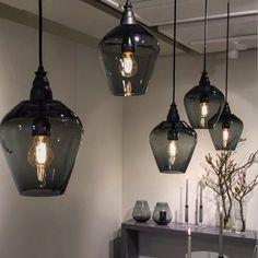 Ceiling Lights, Black And White, Lighting, Pendant, Instagram Posts, Home Decor, Blanco Y Negro, Decoration Home, Black White