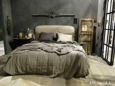 Slaapkamer inspiratie tijdens vt wonen&design beurs 2015 | ARCHANA.NL Cozy Bedroom, Bedroom Decor, Masculine Room, Decoration, Furniture, Home Decor, New Houses, Bedroom Desk, Desks
