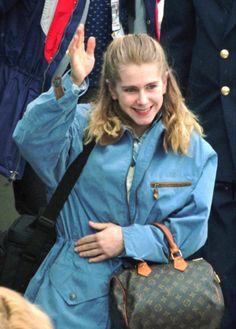 Tonya Harding, Lillehammer, Winter Olympics, Louis Vuitton Neverfull, Portland, Norway, Tote Bag, Bags, Winter Olympic Games