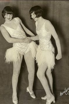 dear golden | vintage: 1920's girls