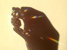 L'arcobaleno fra le dita.