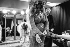 Beyoncé Shows How She Got Ready for Her Grammys Performance—and How She Partied After the Show Beyonce 2013, Beyonce Show, Beyonce And Jay Z, Beyonce Dancers, Queen Bee Beyonce, Grammys 2017, Blue Ivy Carter, Online Photo Gallery, Extraordinary People