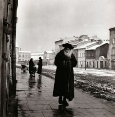 Roman Vishniac, A Talmudic scholar Kraków, Poland, circa 1935-1939 ~ liquidnight From To Give Them Light : The Legacy of Roman Vishniac