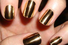 Unhas cromadas dourada