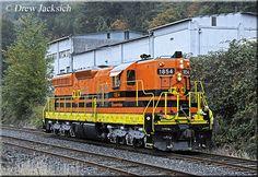 Net Photo: PNWR 1854 Portland & Western Railroad EMD at Clatskanie, Oregon by Drew Jacksich Scenic Train Rides, Railroad Photography, Train Engines, Diesel Locomotive, Diesel Engine, Portland, Trains, Westerns, Oregon