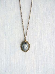 Collier Rétro Romantique, Bronze,Cabochon Résine Visage Femme Rétro Gris,Perles de Verre : Collier par maj