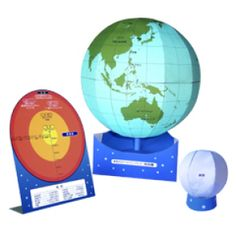 Free to print! Printable earth and moon globes. Great for Earth Science/ Astronomy educational projects. So cool!