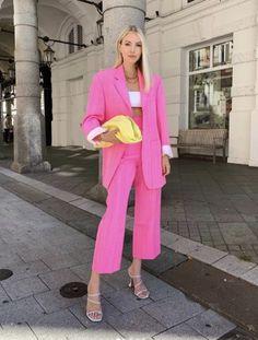 Do Escritório ao Happy Hour Style Outfits, Pink Outfits, Colourful Outfits, Mode Outfits, Colorful Fashion, Summer Outfits, Casual Outfits, Fashion Outfits, Fashion Trends