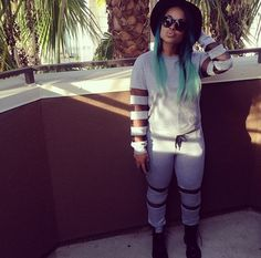 Mega babe Heather Sanders shows off in our newest arrivals  www.sosorella.com Chill Outfits, Swag Outfits, Heather Sanders, Urban Fashion, Teen Fashion, Casual Attire, Cute Hairstyles, Her Style, Perfectly Imperfect