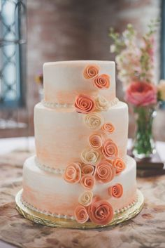 Artsy Vintage Wedding At The Old Bag Factory Peach and White rose cake by Sweet-Em's Cake Shoppe Beautiful Wedding Cakes, Gorgeous Cakes, Pretty Cakes, Ombre Rose, Purple Ombre, Cream Wedding, Wedding Navy, Cake Wedding, Colorful Cakes