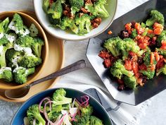 Steamed broccoli with garlic and red onion. Broccoli is a go-to veggie side for many families yet is often served very… How To Cook Broccoli, Broccoli Recipes, Vegetable Recipes, Cooking Broccoli, Veggie Dishes, Food Dishes, Side Dishes, Vegetable Sides, Veggie Side