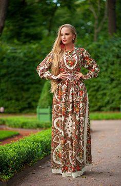 Dress from pavlovo posad shawls , lining dress - 100 % viscose. All seams are…